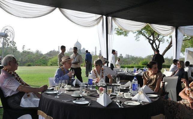 39. Champange breakfast overlooking Taj Mahal