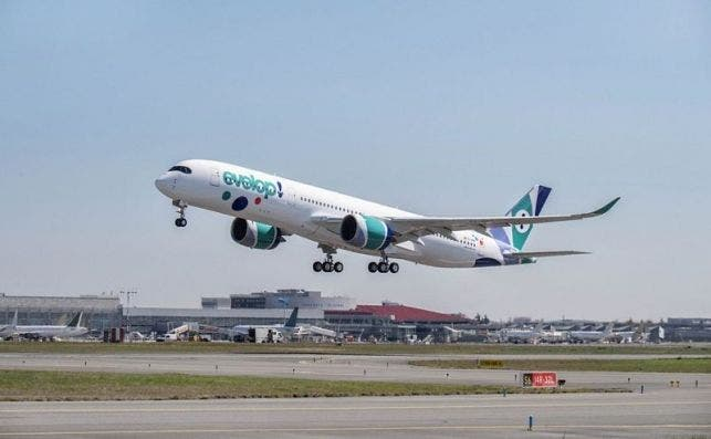 A350 900 Evelop MSN293 ferry flight take off 002
