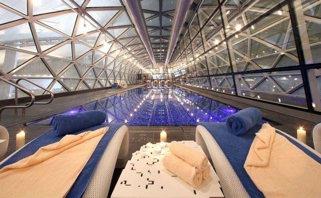 aeropuerto hamad piscina
