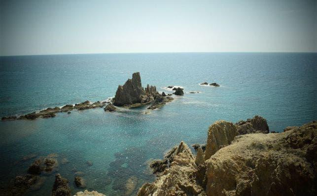Arrecifes frente al Cabo de Gata. Foto PactoVisual Pixabay