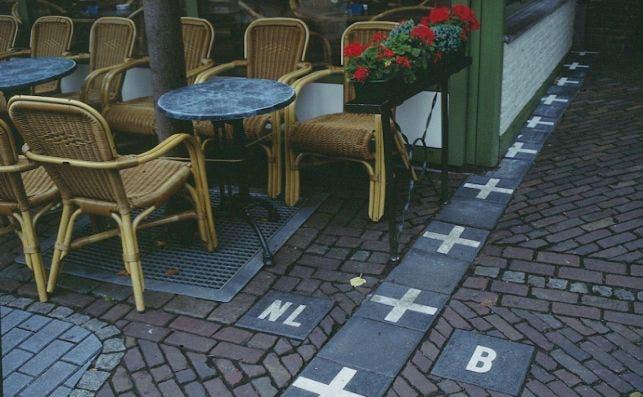 Baarle Nassau frontieÌ€re cafeÌ