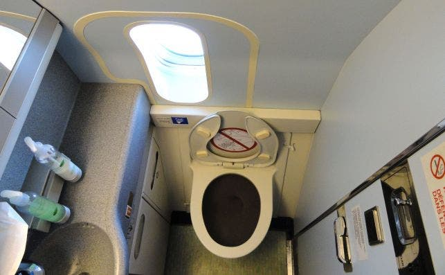 baño avion