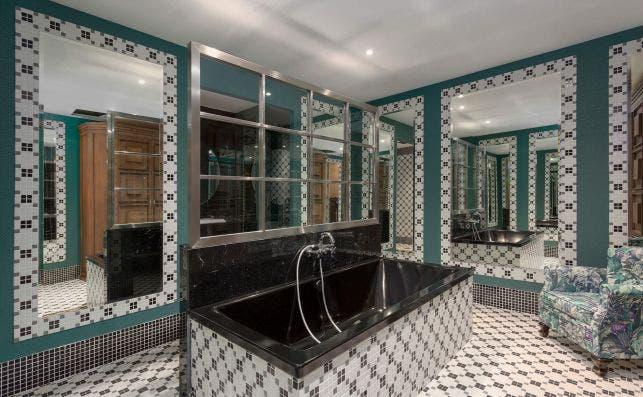 Baño Room Mate Alba. Foto: Room Mate Hotels.