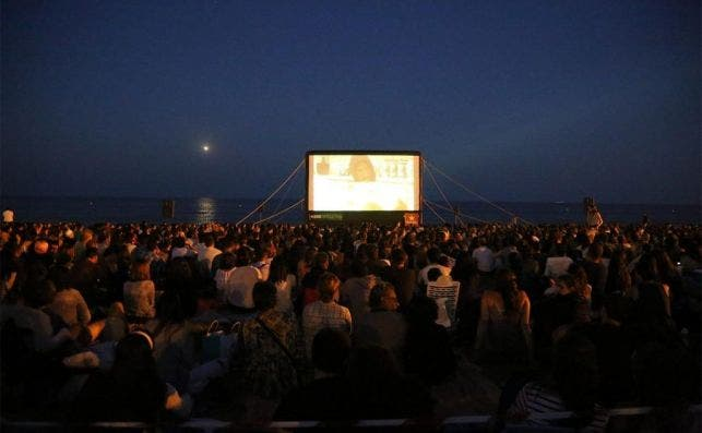 Cine playa Foto Cinema Lliure a la Platja