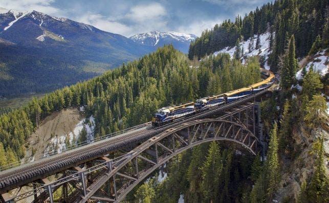 El tren es sinónimo de slow travel. Rocky Mountaineer.