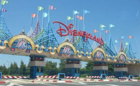 Disneyland París se salta el Inem