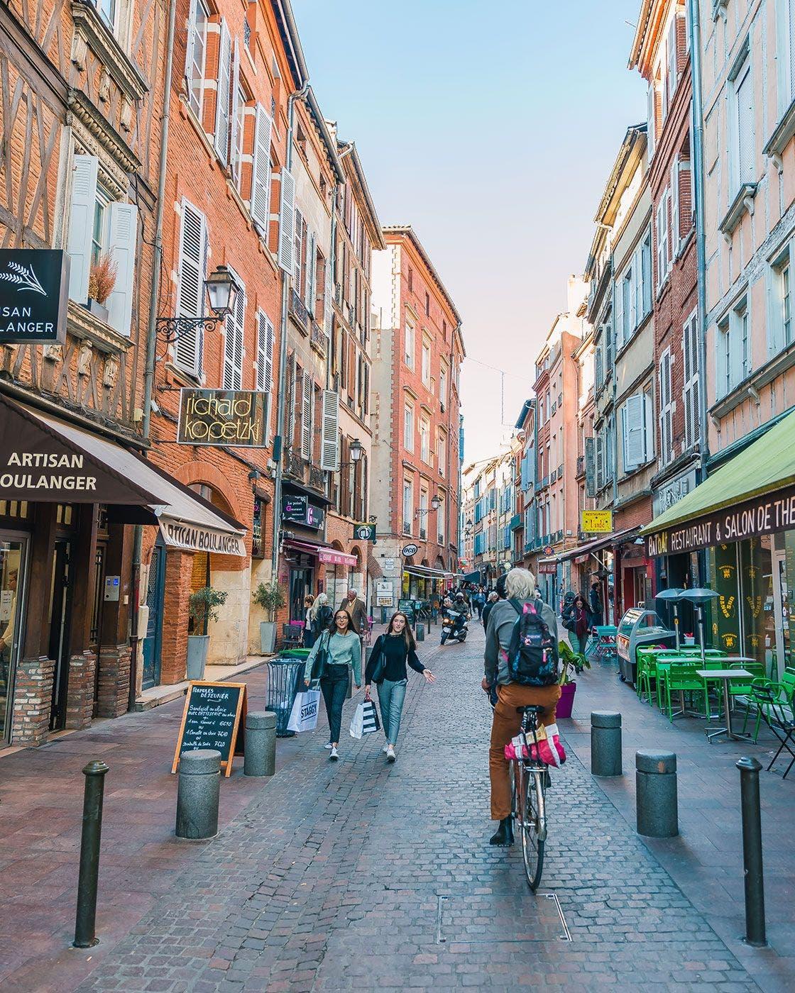 Existe un sistema público de bicicletas con 2.400 vehículos. Foto Turismo de Toulouse.