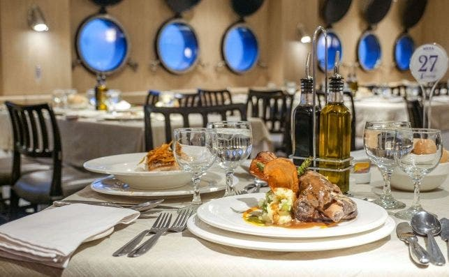 Gastronomía a bordo, Stella Australis.