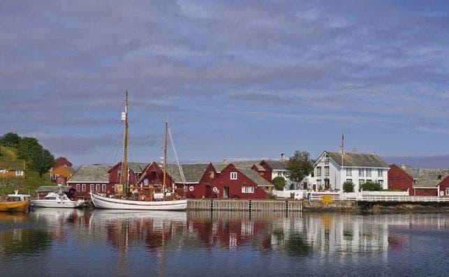 Haholmen utenfor Atlanterhavsvegen 092011 99 0224 800