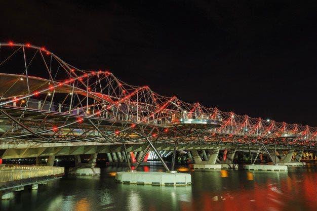 Puente Helix. Foto: Freepik