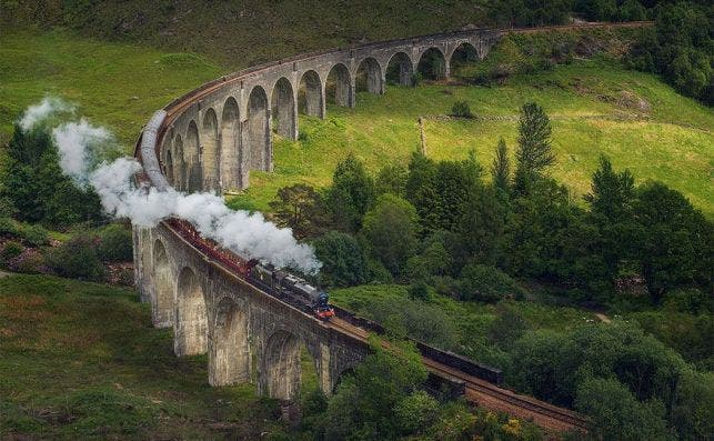 Jacobita tren Foto Daniel Korzhonov