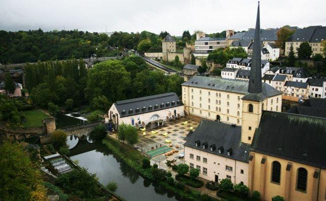 La abadiÌa benedictina de Neumünster es hoy un centro cultural plagado de vanguardistas obras. Foto Manena Munar.