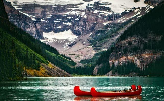 Lago Louise, Canadá. Foto: David Mark | Pixabay.