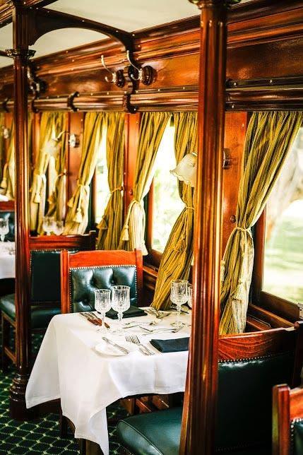 LivingstoneExpress VagoÌn restaurante. Foto Bushtracks africa