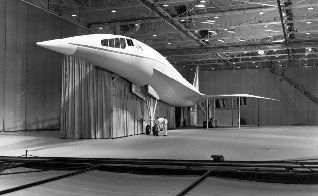 Lockheed L 2000 escala foto Wikipedia