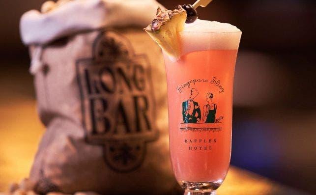 Long Bar Singapore Sling 2018 (Hi res)