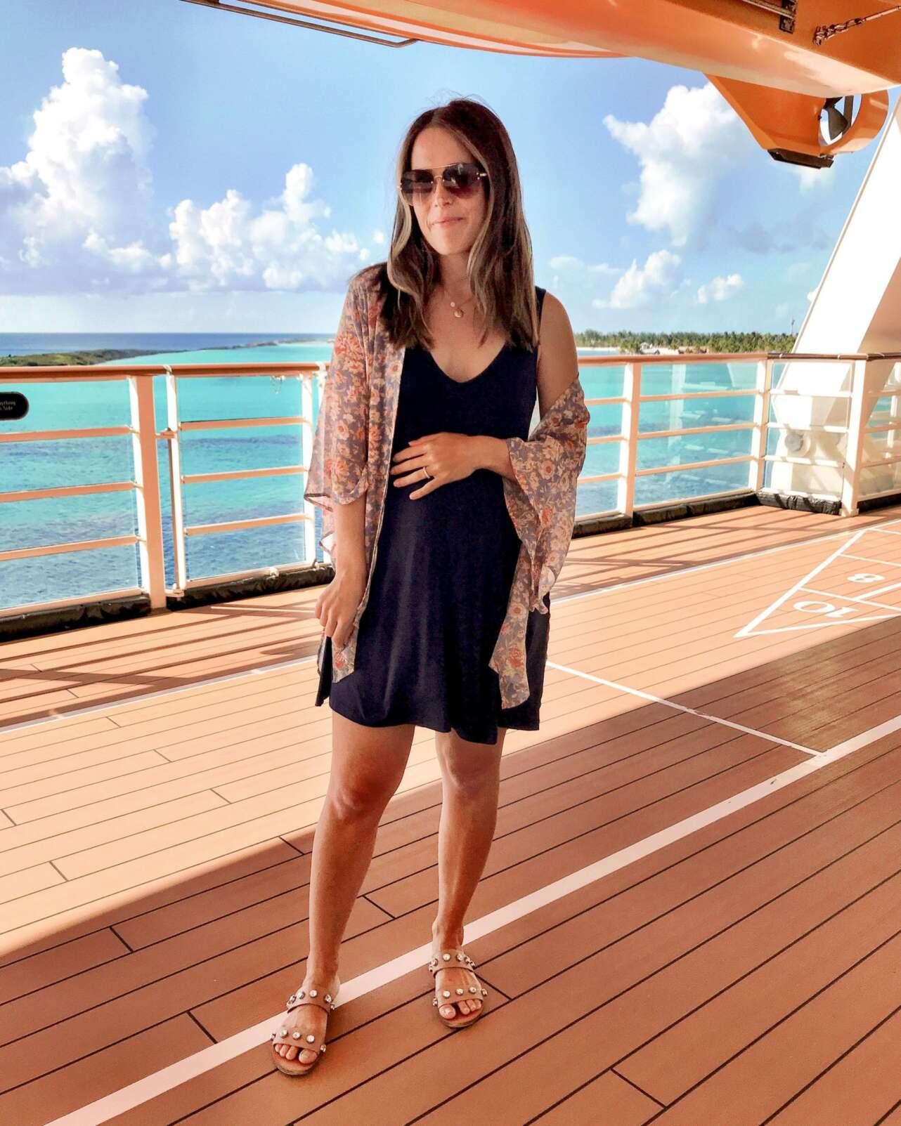 mujer crucero informal