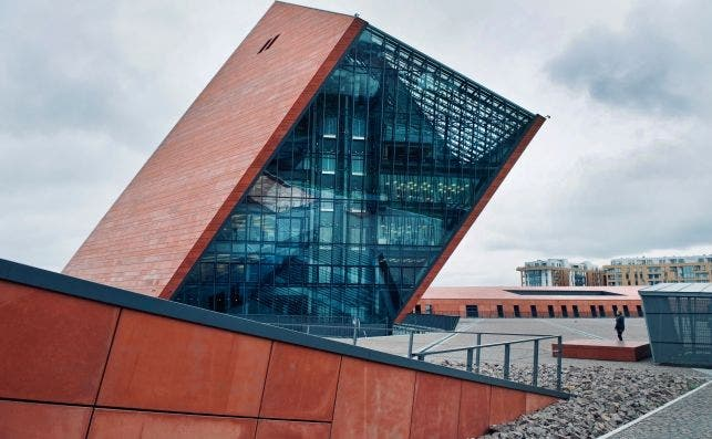 Museo de la Segunda Guerra Mundial. Foto Jacek Dylag Unsplash.