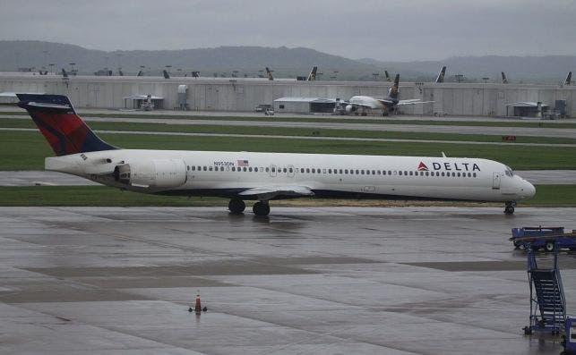 N953DN McDonnell Douglas MD 90 Delta