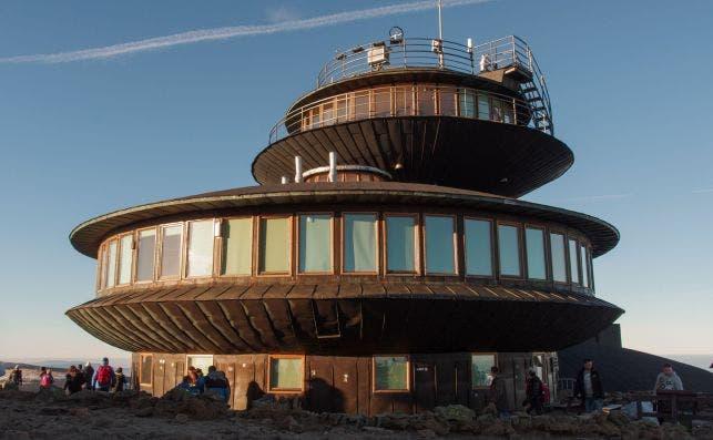 Observatorio MetereoloÌgico de SneÌŒzÌŒka foto Wikipedia