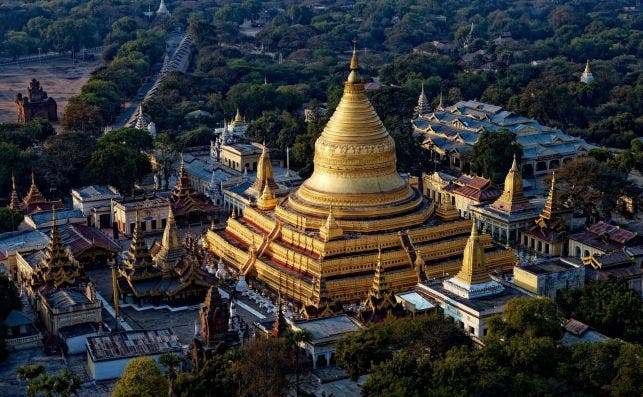 Pagoda Shwezigon. Foto: Yves Alarie | Unsplash.