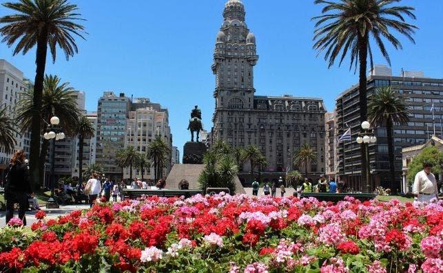 Plaza Independencia, Montevideo.