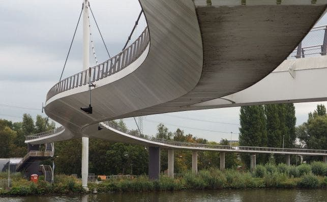 Puente de Nescio. Foto: Guilhem Vellut-Flickr.
