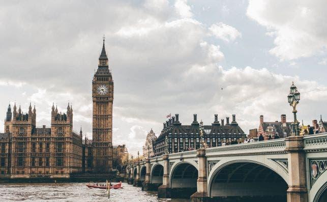 Puente de Westminster. Foto Eva Dang Unsplash