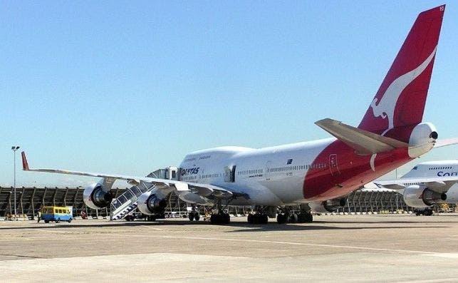 Qantas.b747.ground.arp.750pix