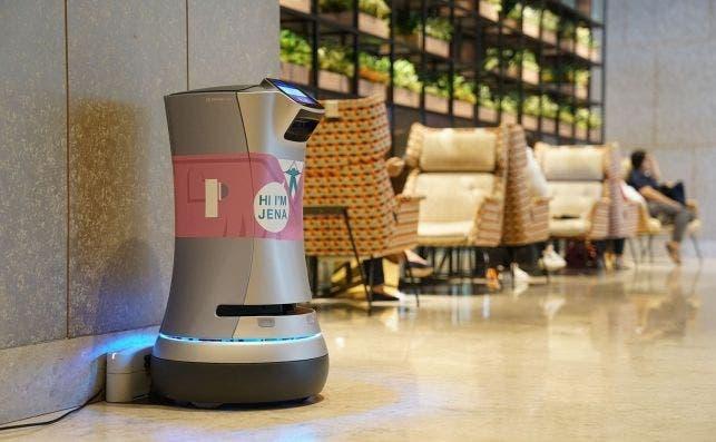 Robot mayordomo en el Hotel Jen Tanglin Singapore. Foto Booking.