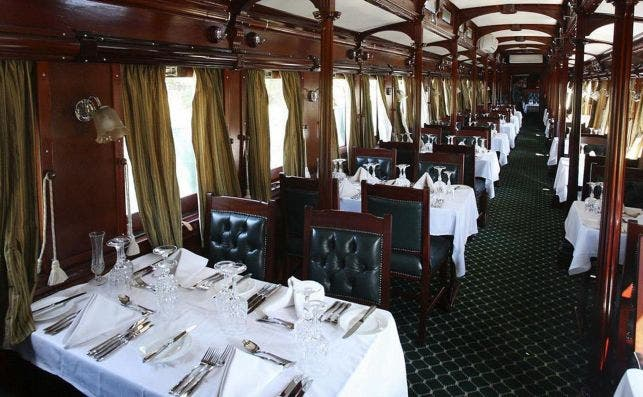 royal livingstone express vagoÌn restaurante. Foto Royal Livingstone Express.