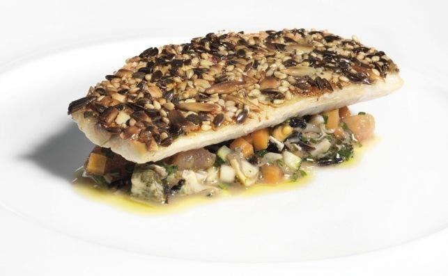 Salmonete y tartar de clochinas. Foto Xavier Mollà / Restaurante Riff