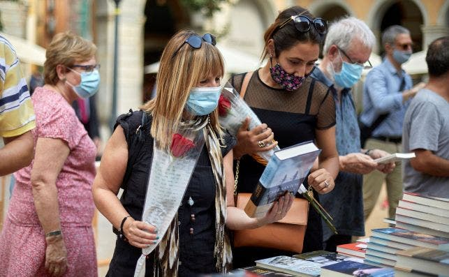 Sant Jordi en Girona foto David Borrat EFE