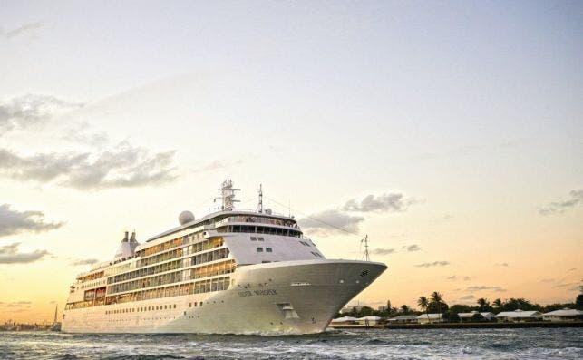 silversea small luxury cruise ship silver whisper 31