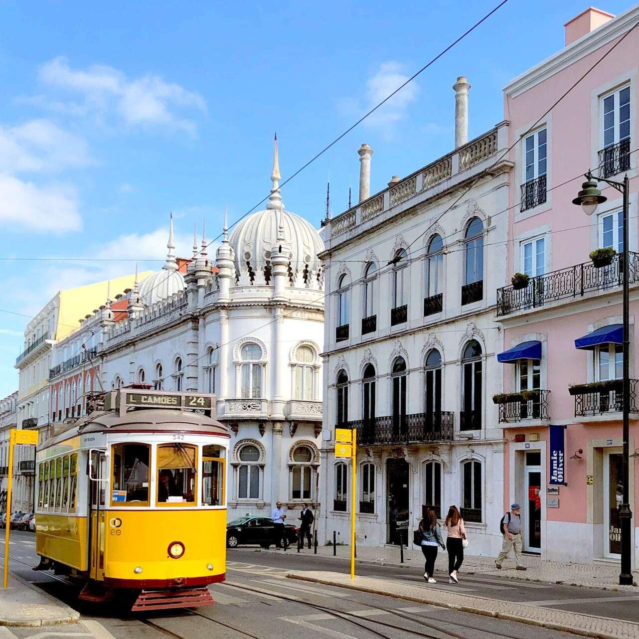 TranviÌa en Lisboa. Foto Martin Kallur Unsplash