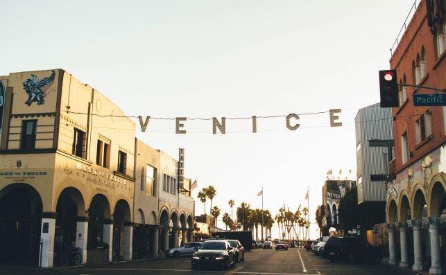 Venice Beach. Foto Nathan Dumlao Unsplash