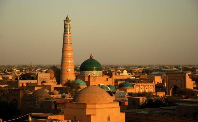Jiva es el próximo destino de los trenes Talgo en Uzbekistán. Foto: Yang Jing   Unsplash