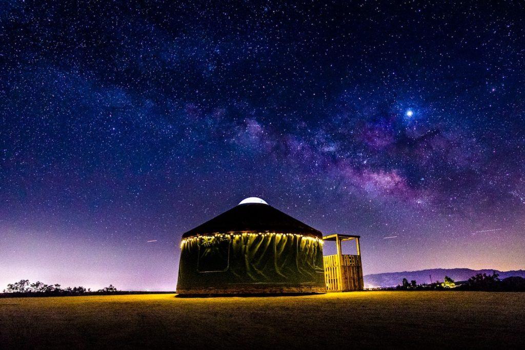 Alojamiento glamping yurta Airbnb