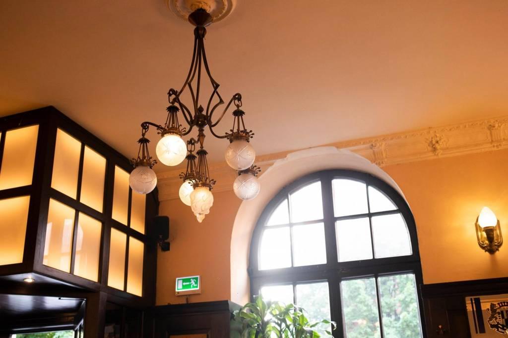 El restaurante Alte Simpl conserva su espíritu bohemio. Foto: Frank Stolle
