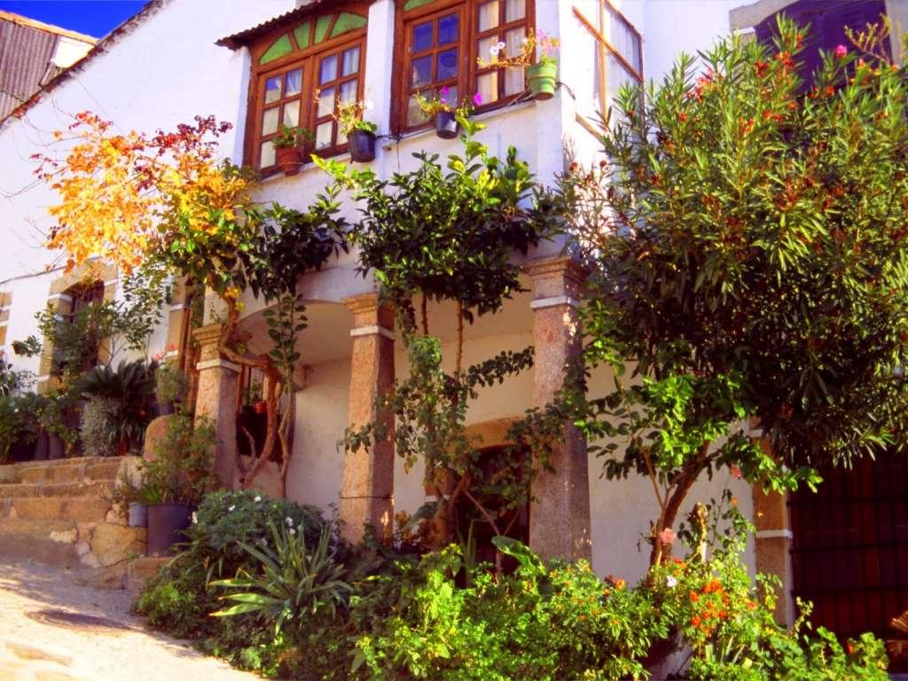 Arquitectura tradicional en Segura del Toro. Foto Valle del Ambroz