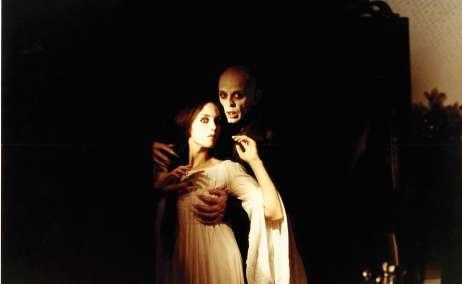 Isabel Adjani y Klaus Kinski en Nosferatu de Werner Herzog. Producción- Gaumont (France) | Werner Herzog Filmproduktion (Alemania), 1979