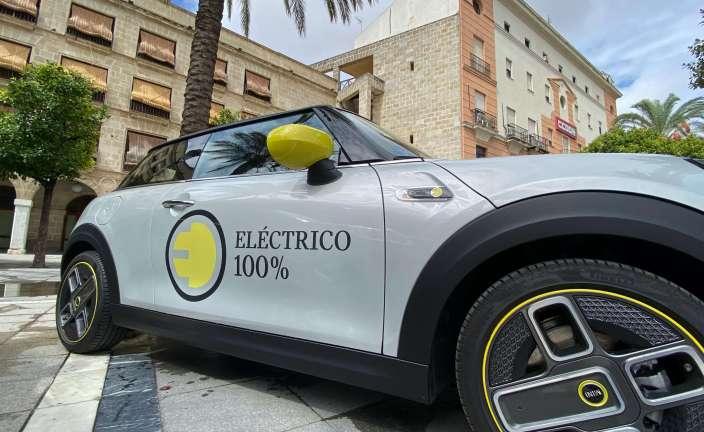 Coche eléctrico de Mini. Foto: John Cameron