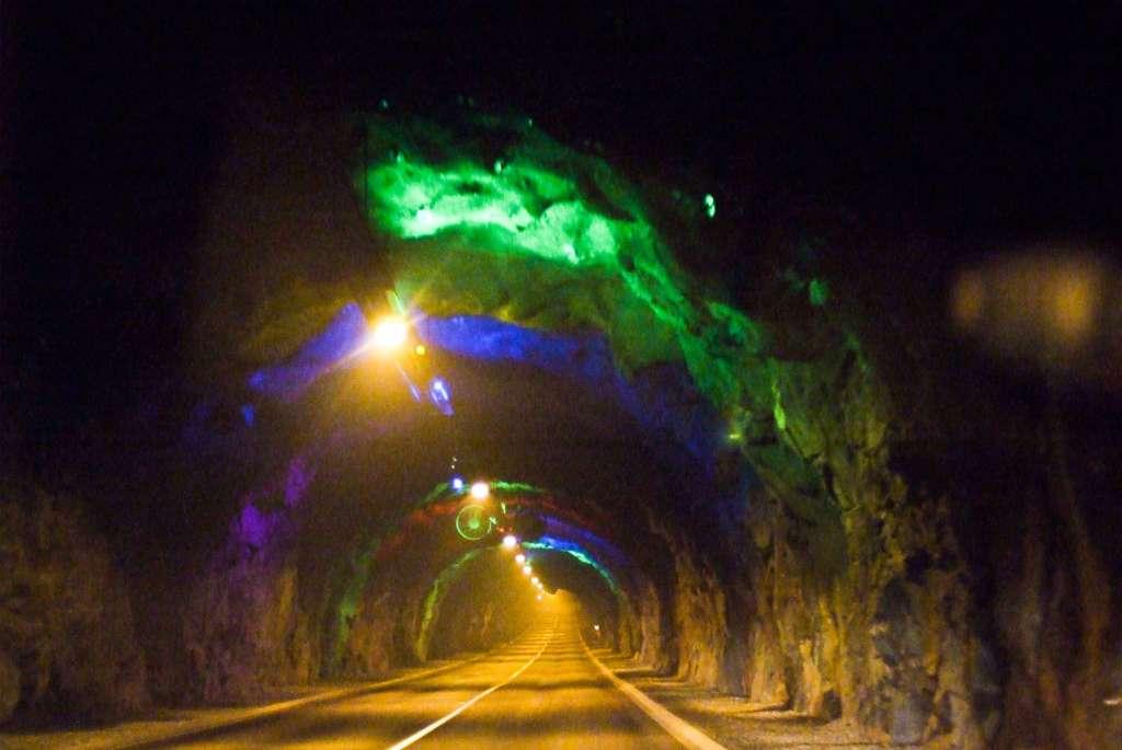 Entrada al túnel de túnel de Eysturoy. Foto Wikipedia