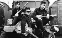 Harrison, Lennon y Sutcliffe en Hamburgo, 1960. Foto Genesis Publications-EFE