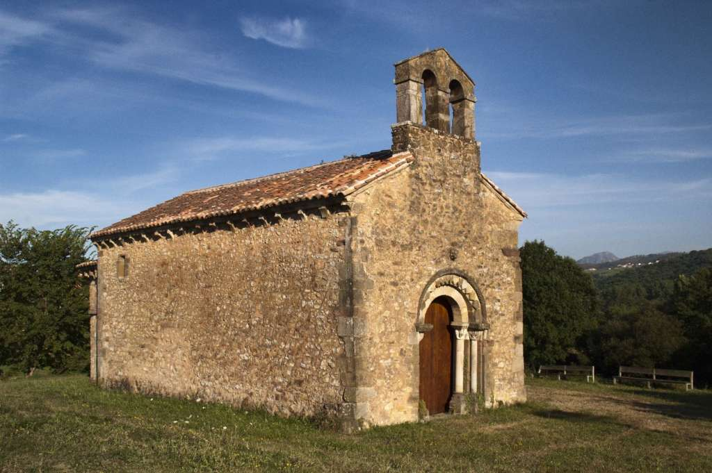 Iglesia de San Esteban de Aramil. Foto Wikipedia