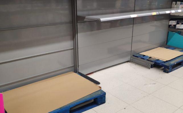 Estantes vacíos en supermercados de Valencia.