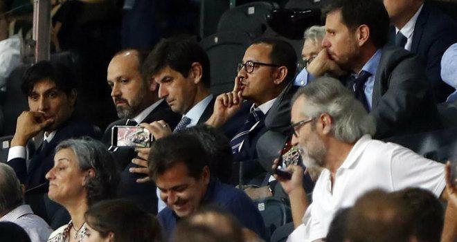 Anil Murthy manda callar a Mestalla. MARCA.