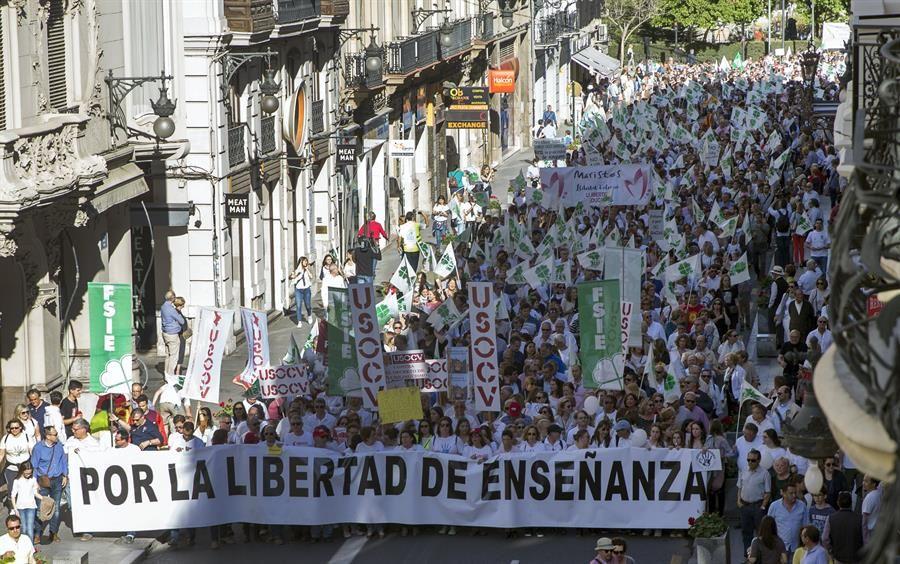 Manifestación convocada por la Fcapa. EFE.