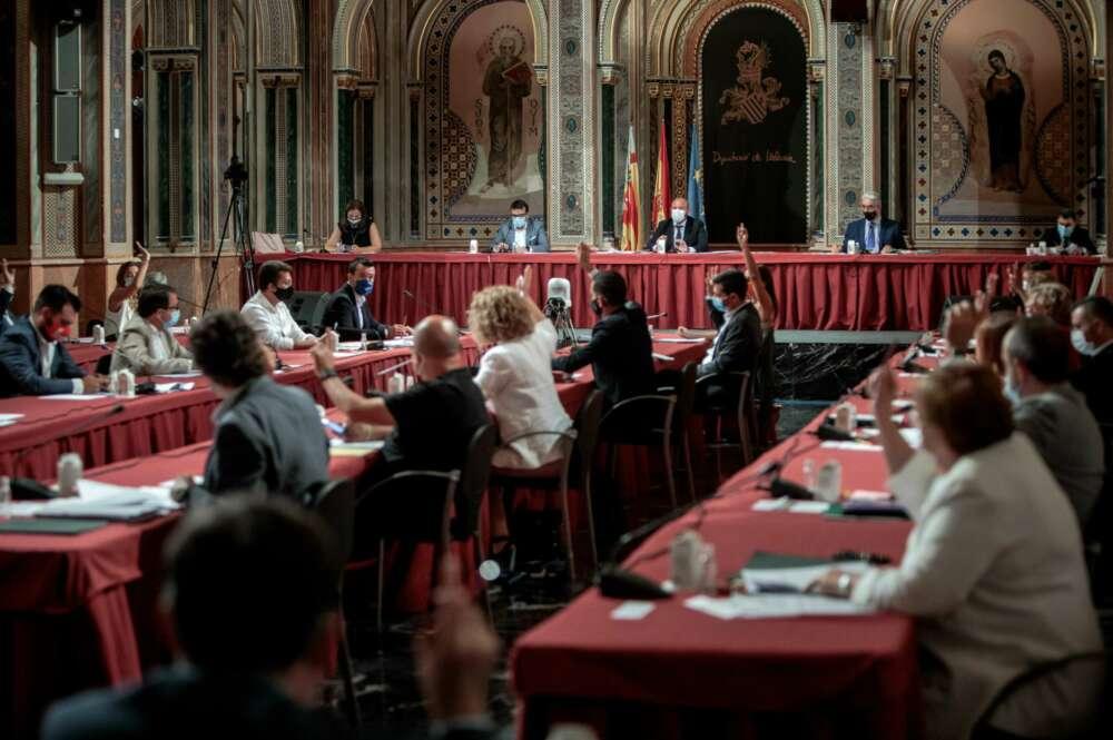 Pleno Diputació en la Beneficència