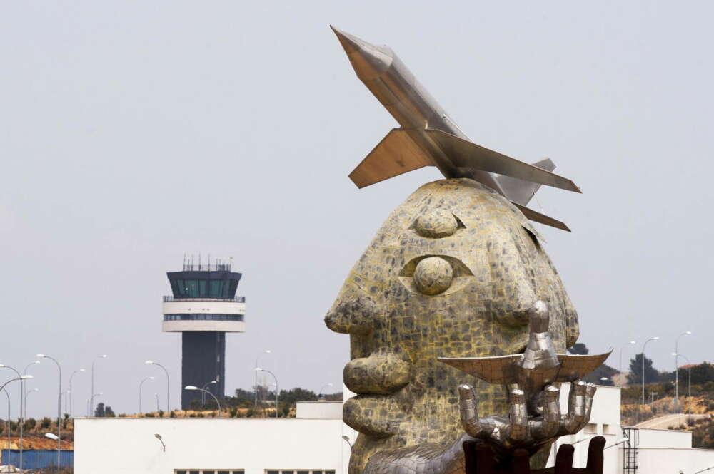 el aeropuerto de castellon ya tiene aviones pero pierde 8m y sobrevive con el fla